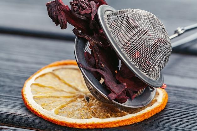 Close-up de folhas de chá vermelho chinês