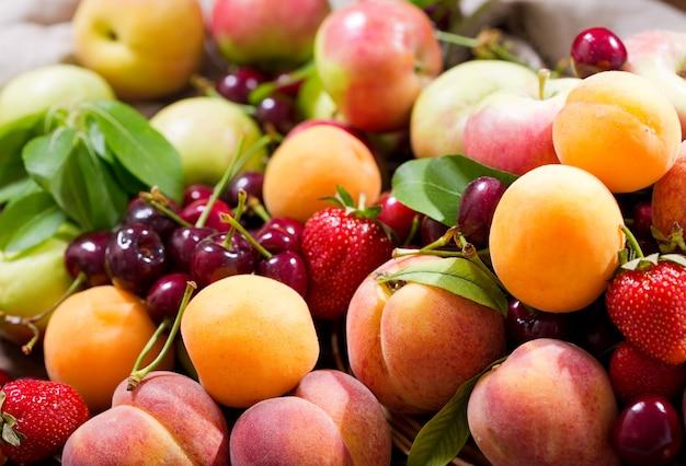 Close up de frutas frescas como pano de fundo