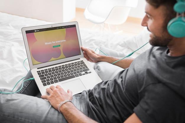 Close-up, de, laptop, com, spotify, app