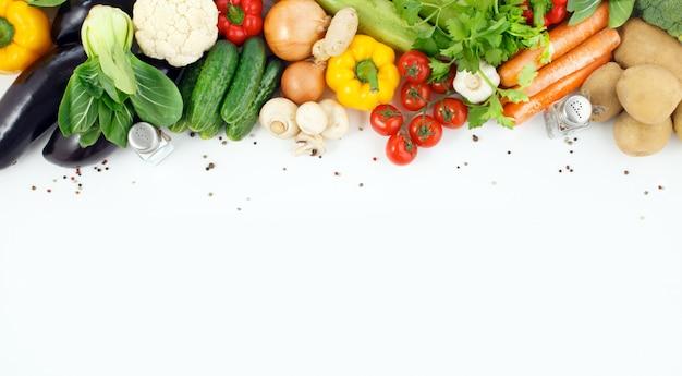 Close-up de legumes com espaço para texto.