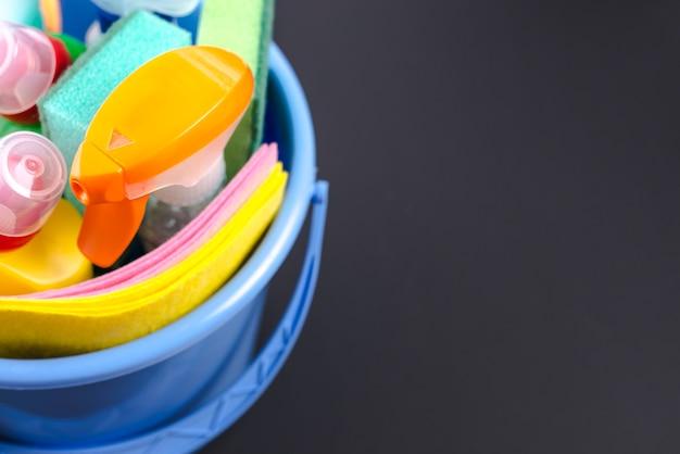 Close-up, de, limpeza, equipamentos, em, cesta, sobre, experiência preta