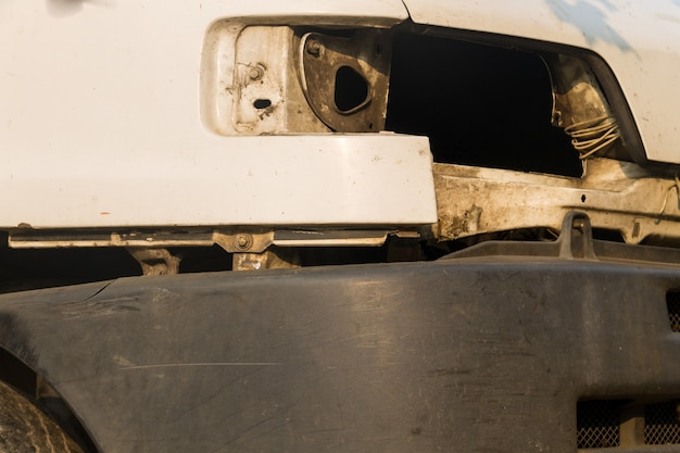 Close-up de ñ ar branco sem farol