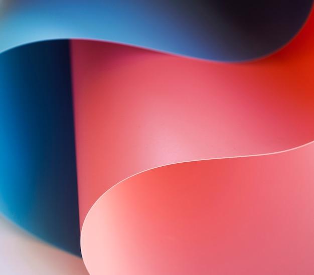 Close-up de papéis dobrados coloridos
