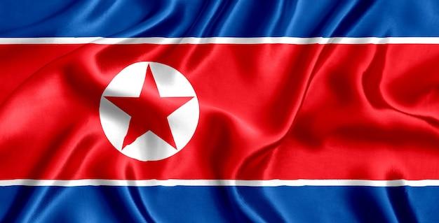 Close-up de seda da bandeira da coreia do norte