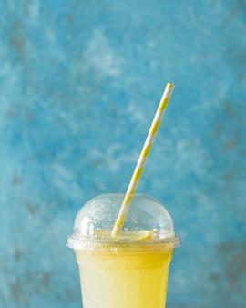 Close-up de shake de limão
