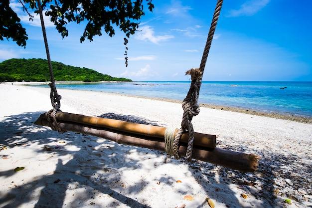 Close-up, de, um, balanço, ligado, praia