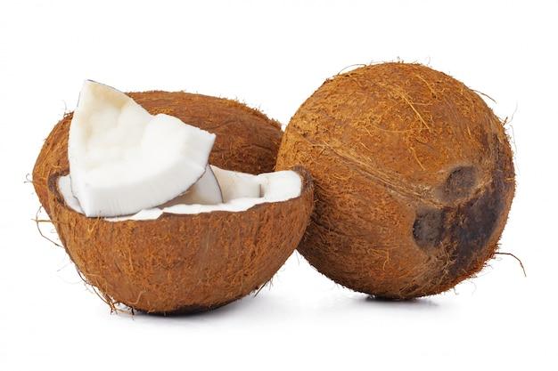 Close-up de um coco craked em pedaços