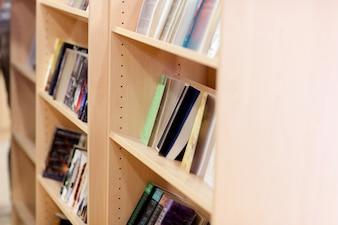 Close-up, de, um, estantes de livros, em, um, biblioteca, em, a, universidade