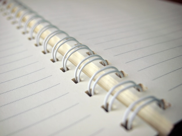 Close-up de um livro branco em branco