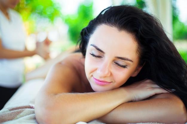 Close-up, de, um, mulher bonita, obtendo, tratamento spa