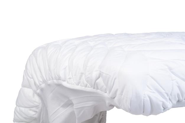 Close up de um novo cobertor isolado no fundo branco