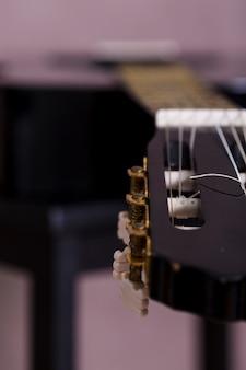 Close up de uma guitarra
