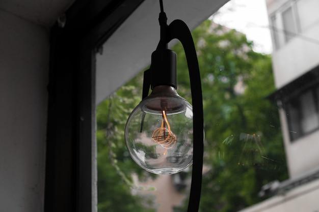 Close-up de uma lâmpada retrô