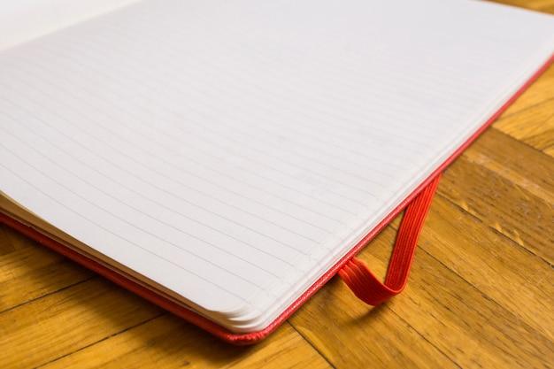 Close-up do bloco de notas em branco