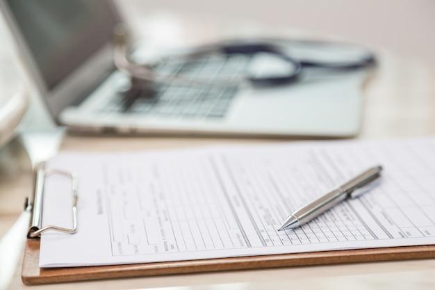 Close-up do formulário médico