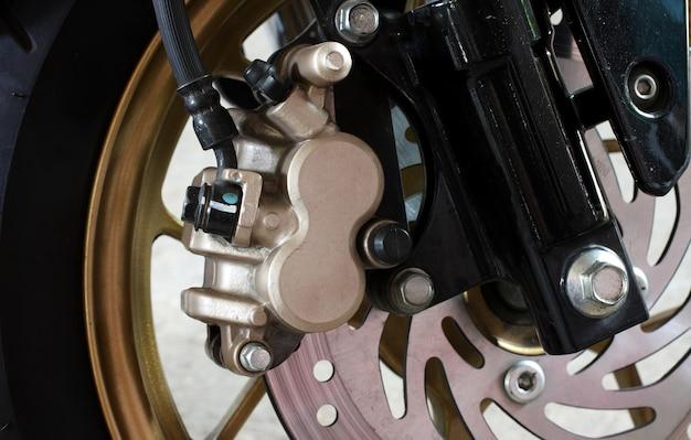 Close-up do freio de moto.