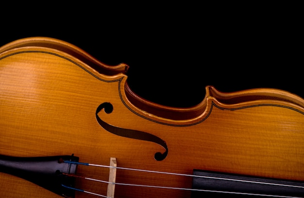 Close-up do instrumento musical para violino da orquestra