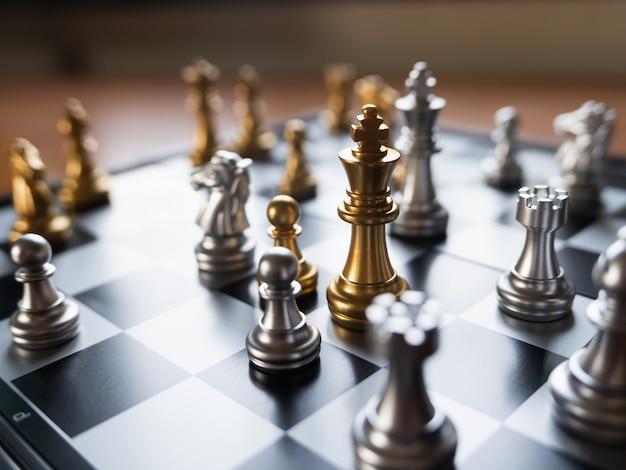 Close-up do tabuleiro de xadrez na mesa