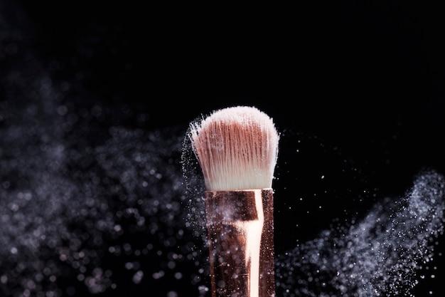 Close-up em escova cosmética profissional