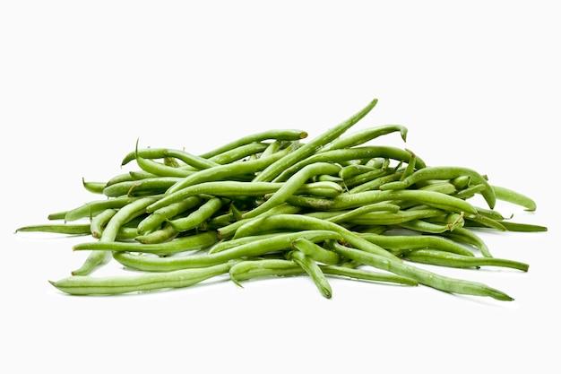 Close-up em feijão verde isolado