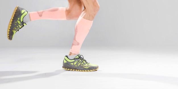 Close-up homem correndo