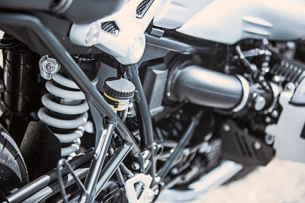 Close-up itens de luxo da motocicleta: peças da motocicleta