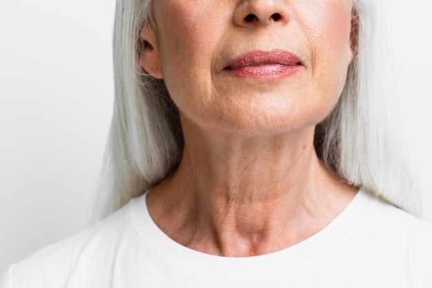 Close-up linda mulher sênior