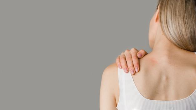 Close-up mulher com dor
