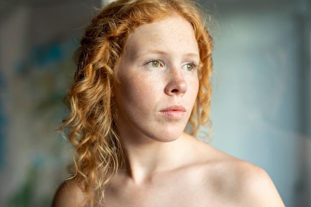 Close-up, mulher, olhando