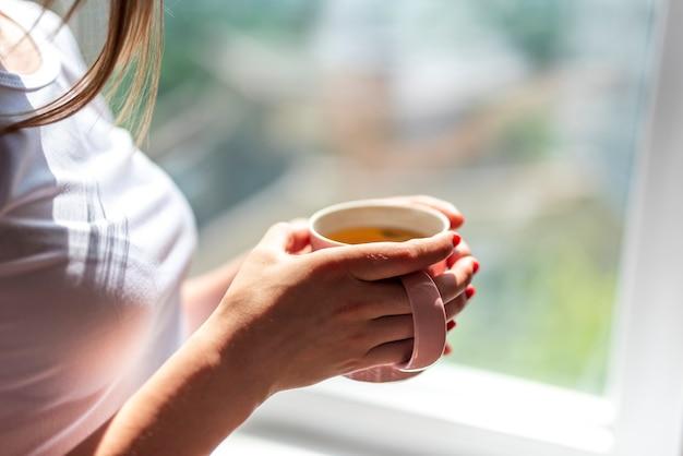 Close-up, mulher segura, chá