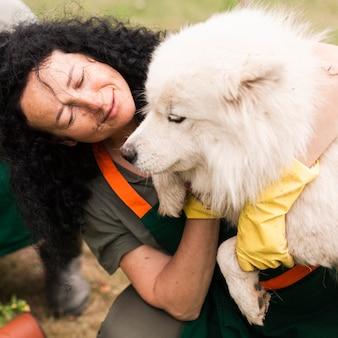 Close-up, mulher sênior, com, dela, cão