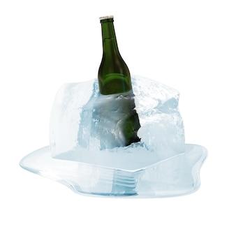 Close-up na garrafa de cerveja no cubo de gelo derretendo