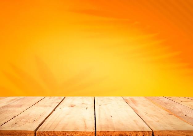 Close-up na mesa de madeira vazia isolada