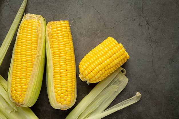 Close-up no milho fresco pronto para comer