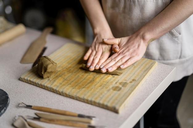 Close up oficina de argila