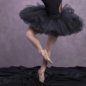 Close-up postura de sapatos de balé
