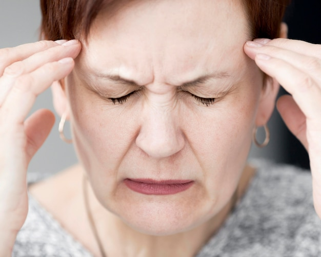 Close-up vista de mulher com ansiedade
