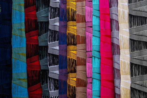 Closeup colorido artesanato cachecol fundo