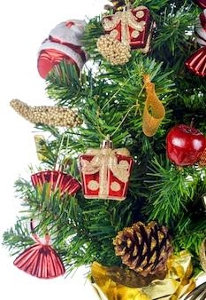 Closeup de árvore de natal decorada