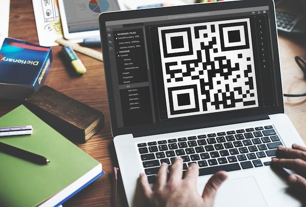 Closeup, de, caderno, tela, mostrando, qr, código