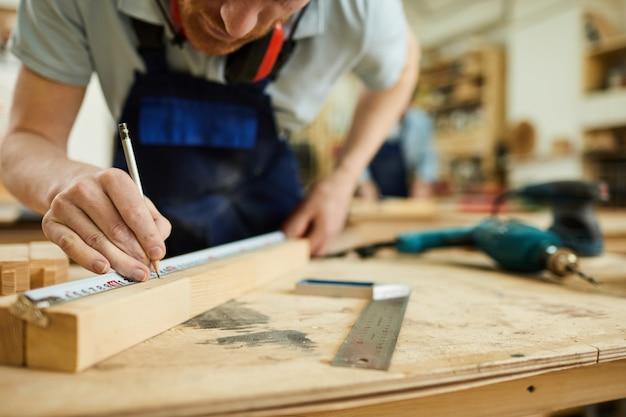 Closeup de carpinteiro