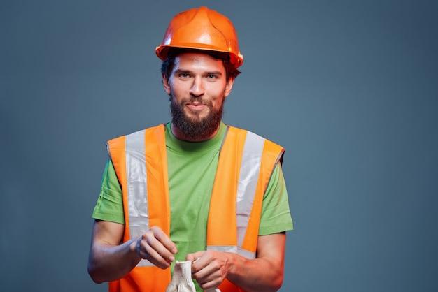 Closeup de engenheiro de construção de profissão difícil de homem