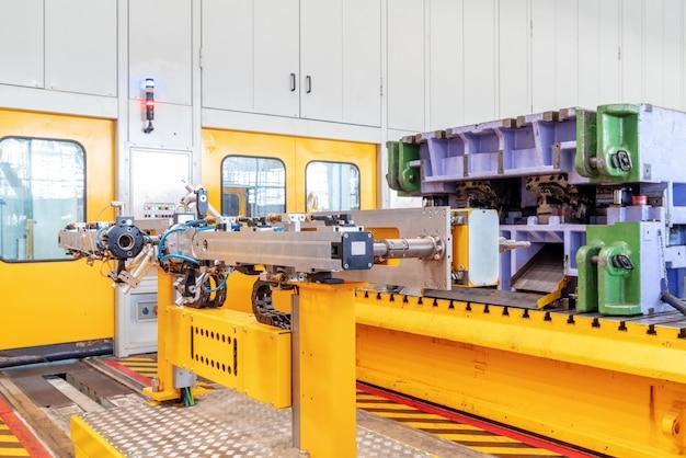Closeup de equipamento de linha de produção de carro