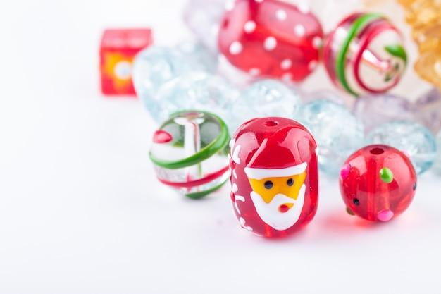 Closeup de grânulos de vidro de natal