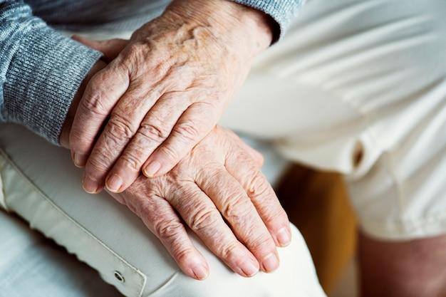 Closeup, de, idoso, mãos
