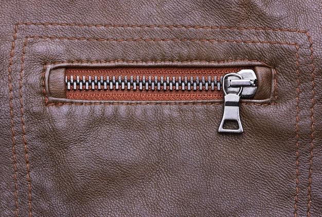 Closeup de jaqueta de couro marrom