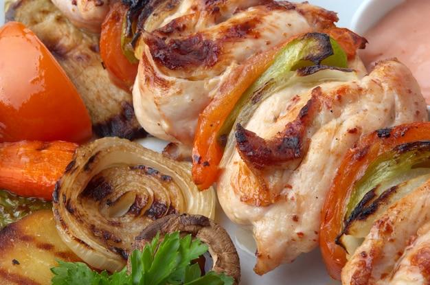 Closeup de kebab de frango