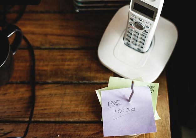 Closeup, de, landline, telefone, ligado, tabela madeira