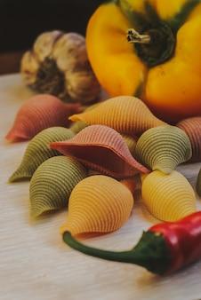 Closeup de massas vegetais sem glúten