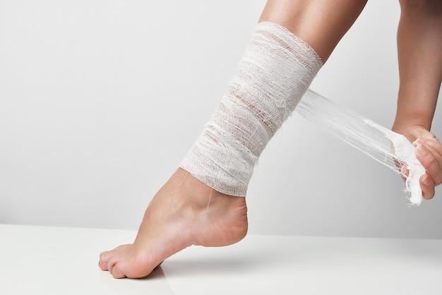 Closeup, dor na perna, lesão no tornozelo, problemas de saúde